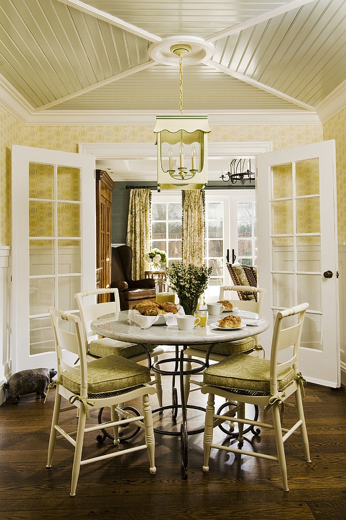 A touch of charming green for the cottage style dining room [Design: Jana Happel Interior Design]