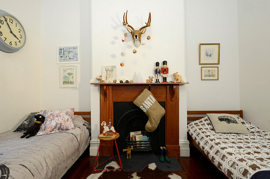 A touch of holiday charm for the kids' bedroom [Photography: Jeni Lee]