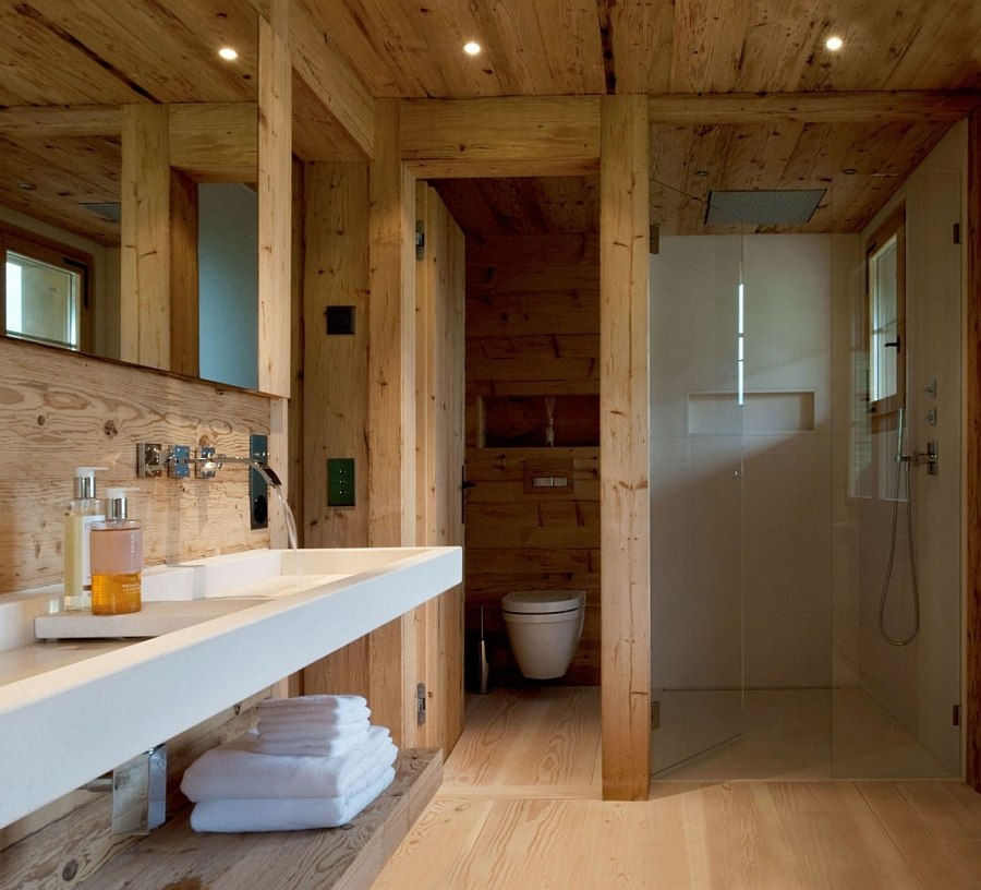 A touch of opulence and classic wood cabin charm for the bathroom