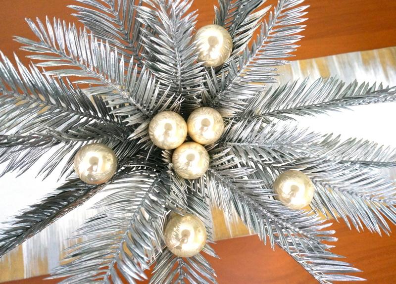 A tropical Christmas centerpiece