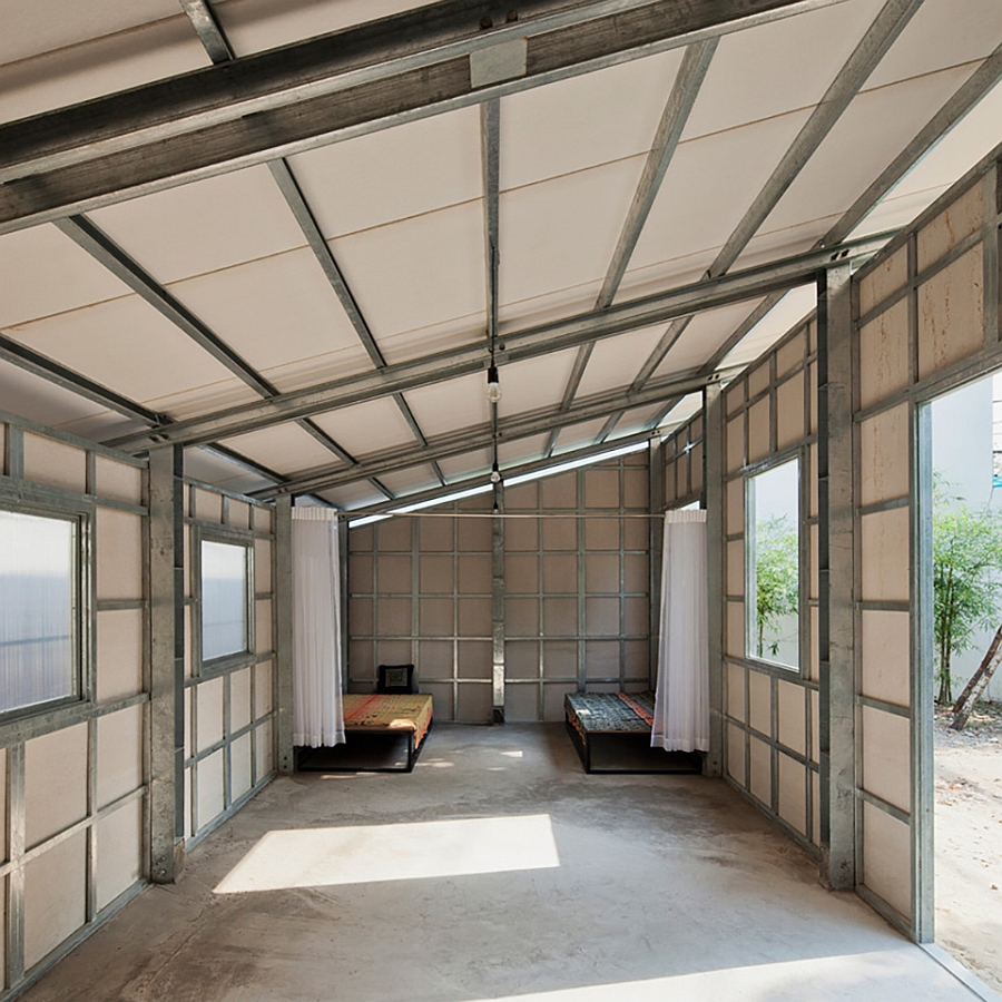 Adaptable interior of the steel prefab S House 3