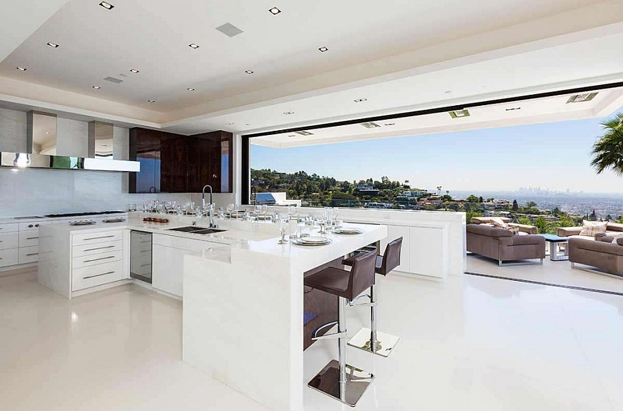 Amazing modern bachelor pad with a fabulous kitchen