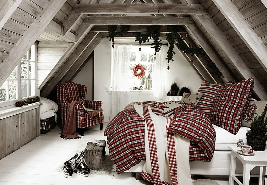 Bedding adds to the Christmassy appeal of the bedroom [From: Still Stars]