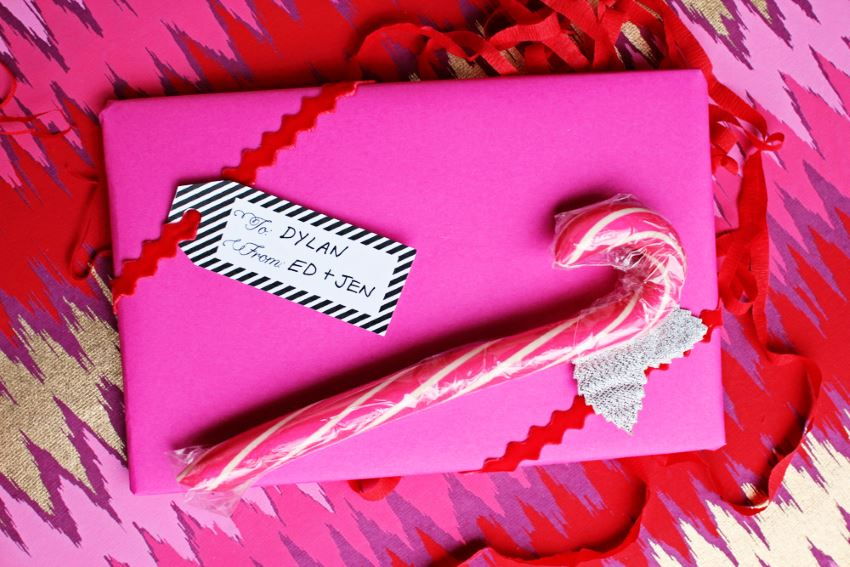 Bright gift wrap idea from The Sweetest Occasion