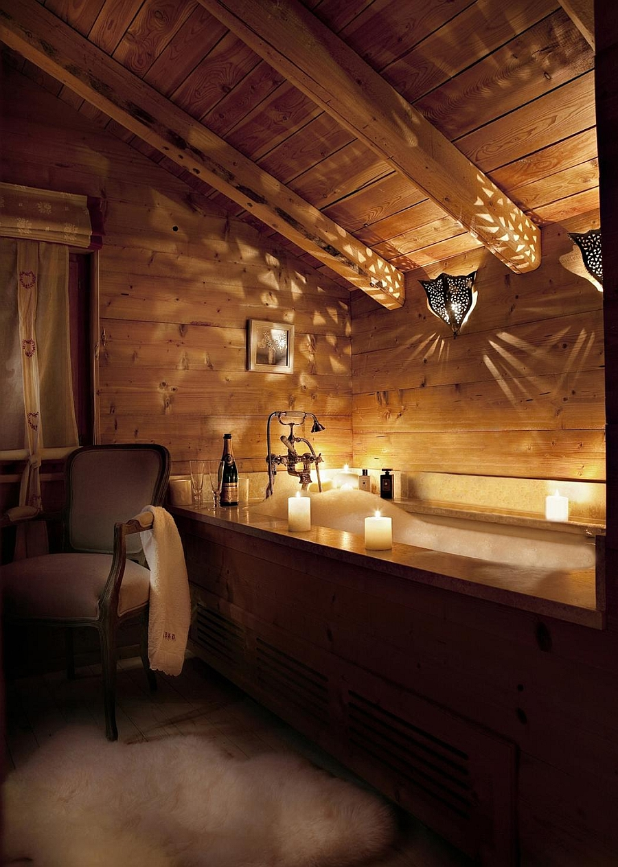 Candle light turns the bathroom into a dreamy, relaxed setting