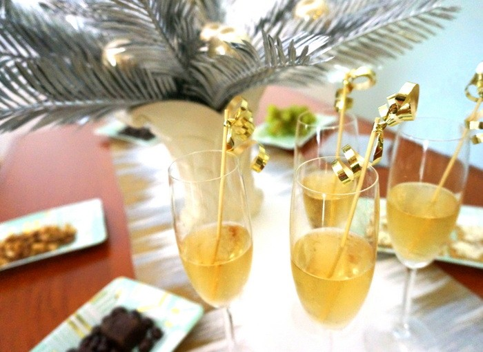 DIY gold ribbon drink stirrers