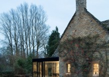 17th Century British Cottage Gets a Glassy Modern Extension