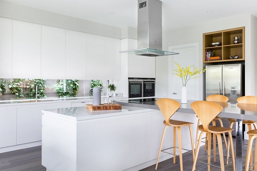 Contemporary kitchen island with an extended breakfast nook