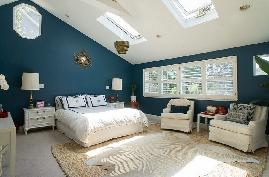 Exquisite transitional bedroom in blue [Photography: Hoi Ning Wong]