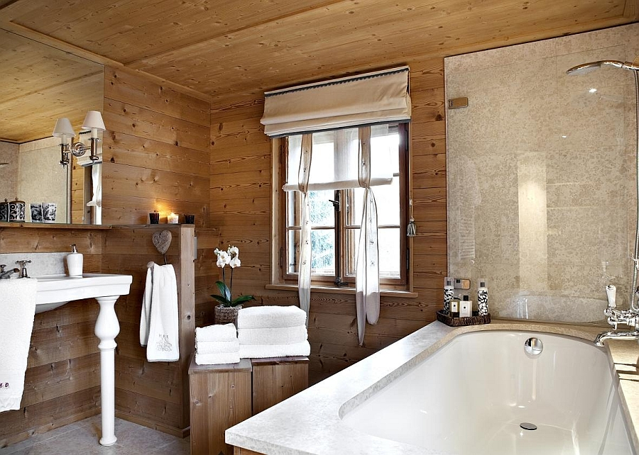 Exqusite modern bath at the luxury chalet in Klosters