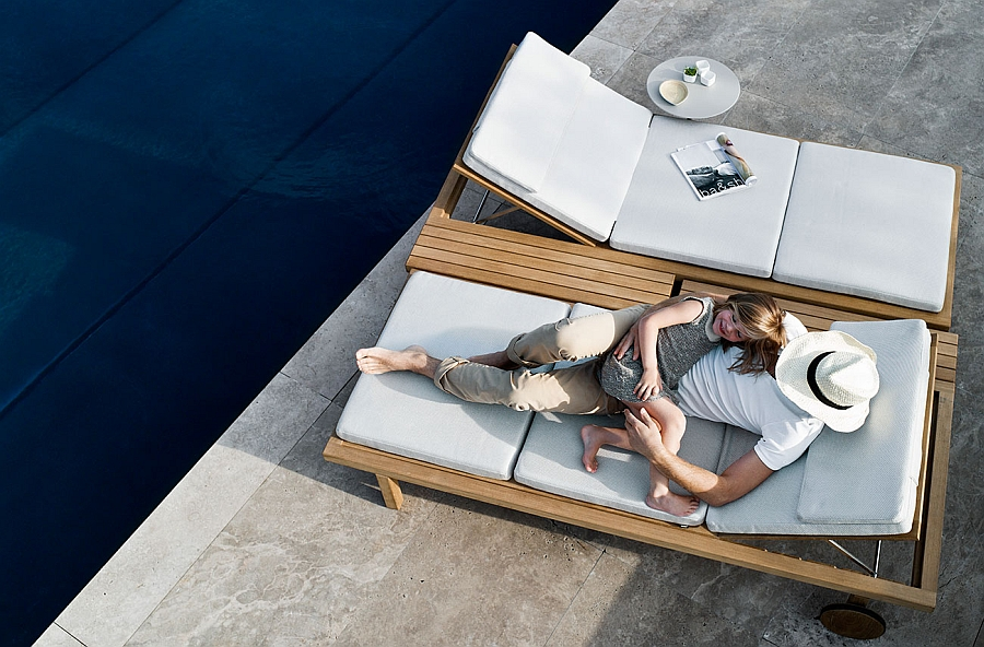 Flexible bed base of the Vis à vis lounger