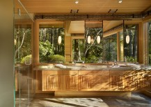 Forest-outside-adds-to-the-aura-of-the-bathroom-217x155