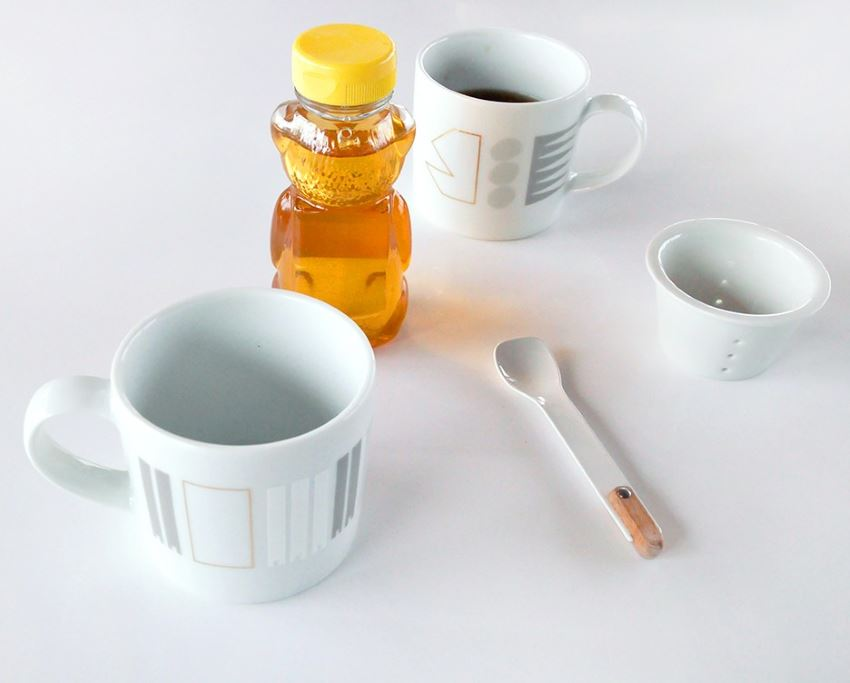 Geometric mug set by Alyson Fox via Nannie Inez
