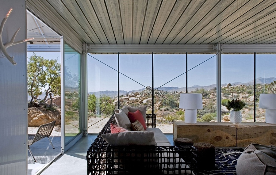 Glass and steel vacation home in California