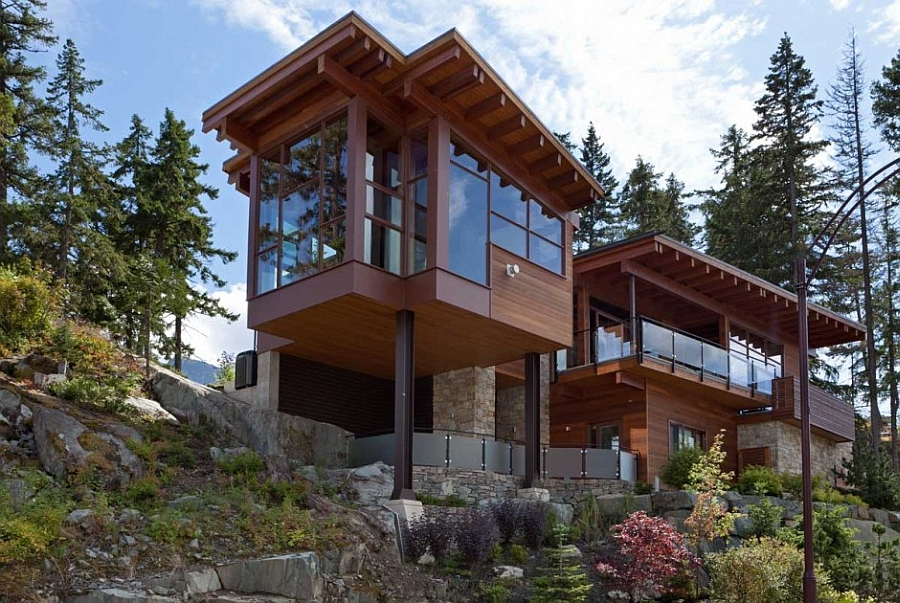 Gorgeous Lakecrest Residence in Canada Sweeping Mountain & Lake Views: Modern Chalet Architecture in Canada