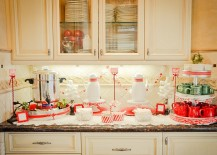 Gorgeous display in red and white for the holiday season
