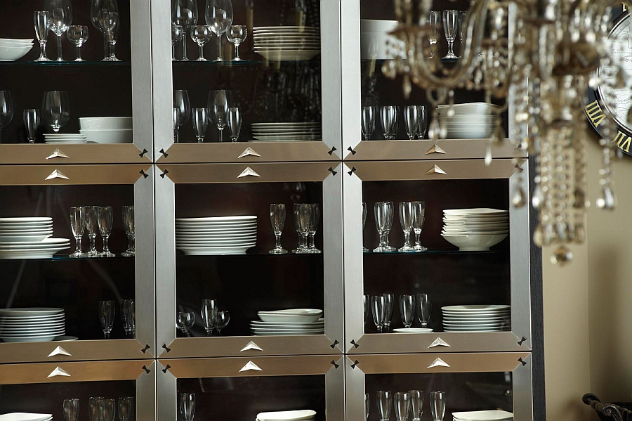Gorgeous kitchen display with chinaware