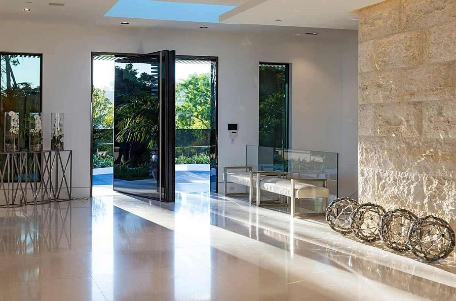 Grand entrance to the best bachelor pad in the world Beverly Hills Bachelor Pad That Costs $85 Million!