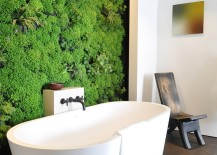 Green living wall for the contemporary bath