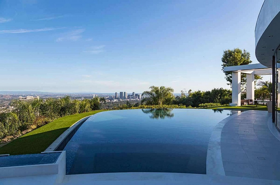 Infinity pool with a view of the LA skyline