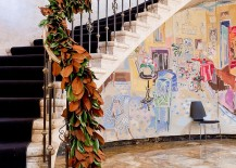 Innovative-staircase-garland-with-colors-of-fall-217x155