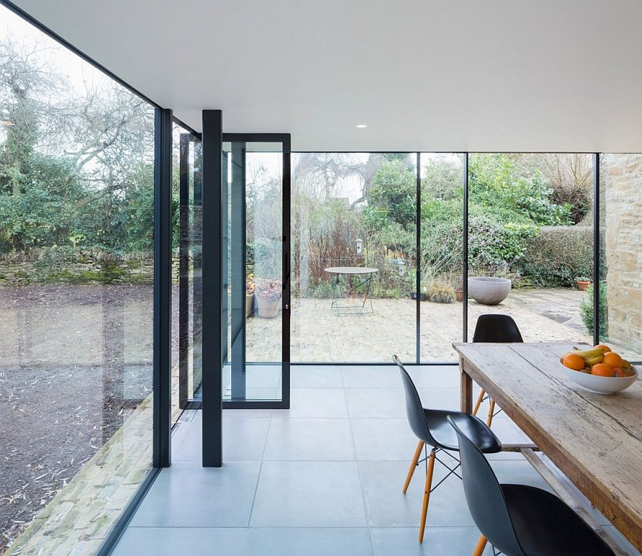 Lightweight single-ply roof used for the modern extension