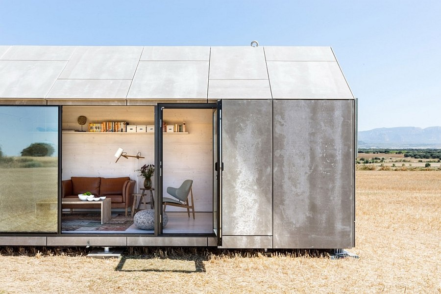 Living area of the portable house APH80