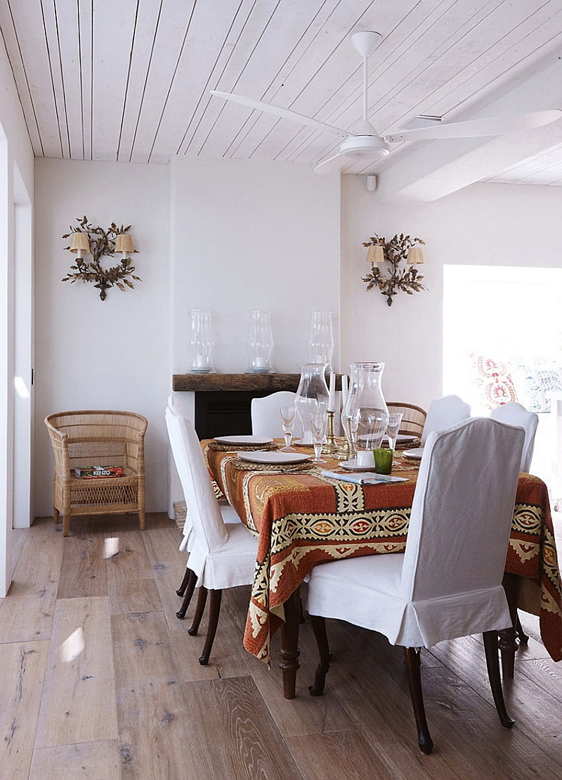 Lovely dining space with a relaxed, casual ambiance
