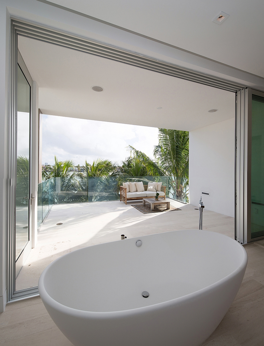 Luxurious master bath connected with the terrace