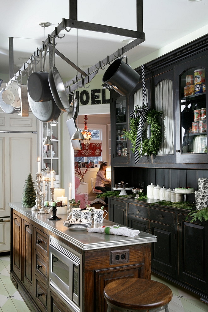 christmas decorating ideas that add festive charm to your kitchen. Black Bedroom Furniture Sets. Home Design Ideas