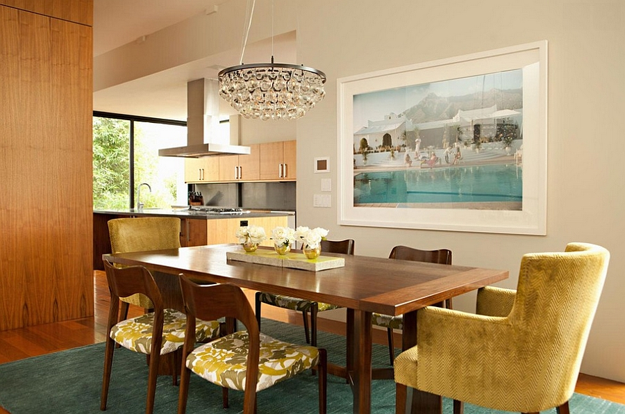 Modern rug brings a splash of teal to the dining room [Design: Chris Barrett Design]