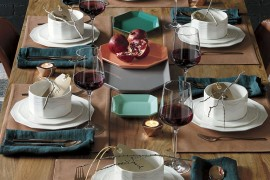 Design a Dazzling Christmas Table