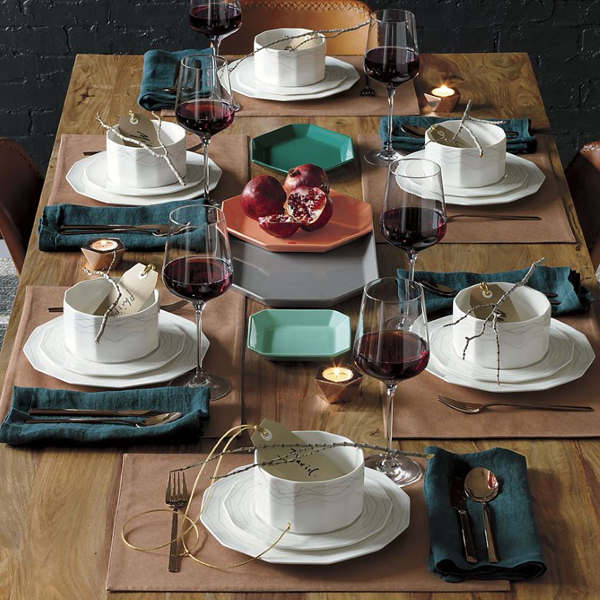 Modern rustic Christmas table