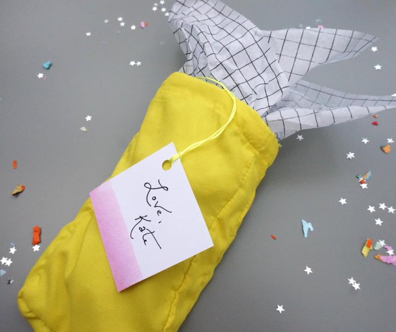 Neon dip-dye gift wrap idea