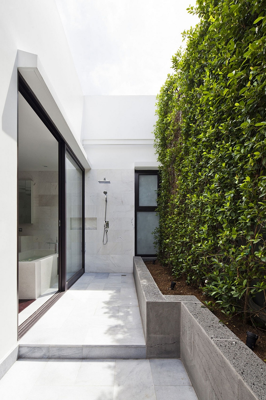 Outdoor shower area with complete privacy