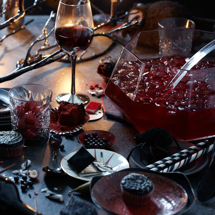 Rich hues on a holiday table