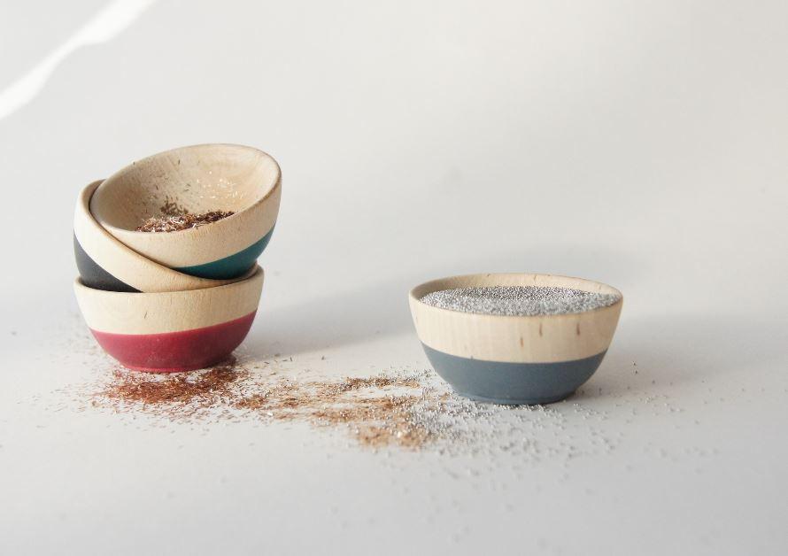 Set of 4 mini bowls in seasonal colors