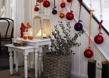 Simple-and-stylish-way-to-decorate-your-home-this-Christmas-217x155