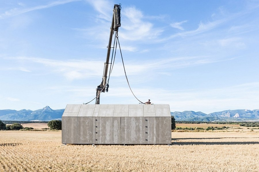 Smart prefabricated home can be setup pretty much anywhere!