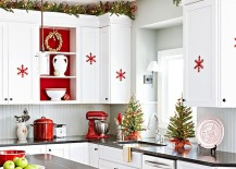 Christmas Kitchen Decorating Ideas Vary From The Expansive To The Subtle,  And You Can Pick A Color Scheme, Theme And Style Of Your Choice.