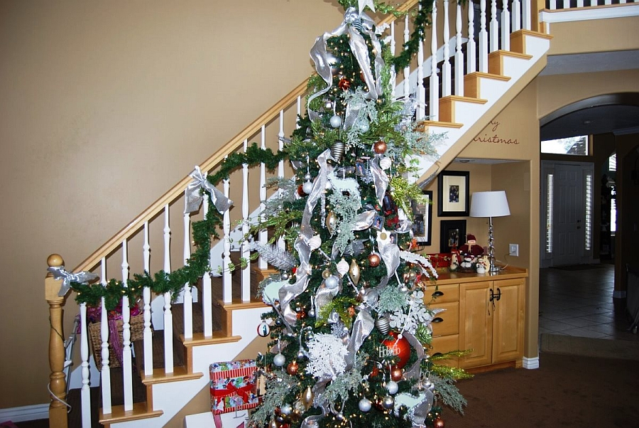 staircase decorations add to overall ambiance of the home design design by julie - Christmas Staircase