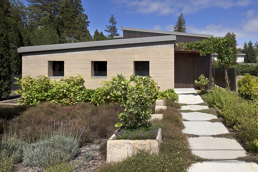 Street facade of the Mountain View Residence offers ample privacy