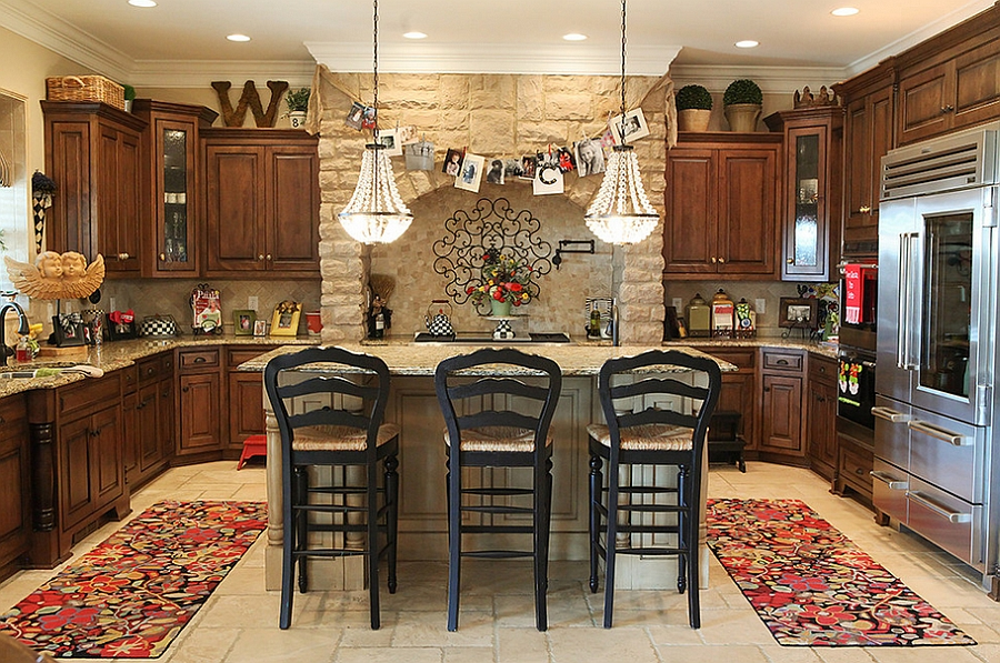 Stylish and subtle Christmas kitchen decorating idea [From: Julie Ranee Photography]