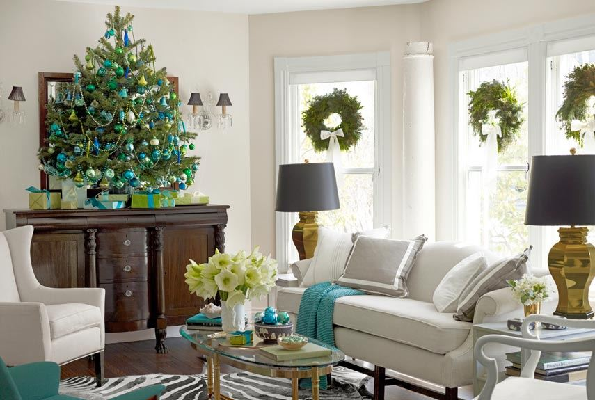 12 Picturesque Small Living Room Design: 10 Rooms With Festive Christmas Trees