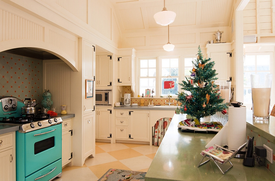Take the Christmas celebrations into the kitchen this year! [From: Janet Paik]