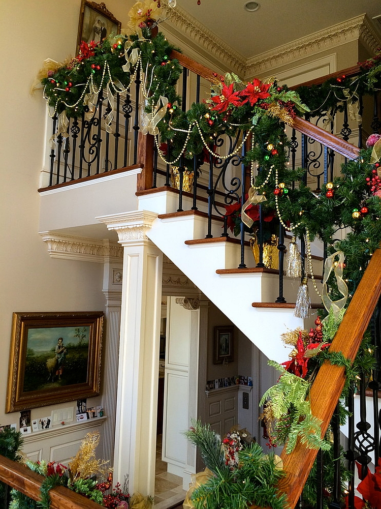 traditional holiday decorations for the staircase from rae turi - How To Decorate Stairs For Christmas