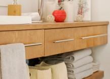 Bathtoom towel arrangement idea