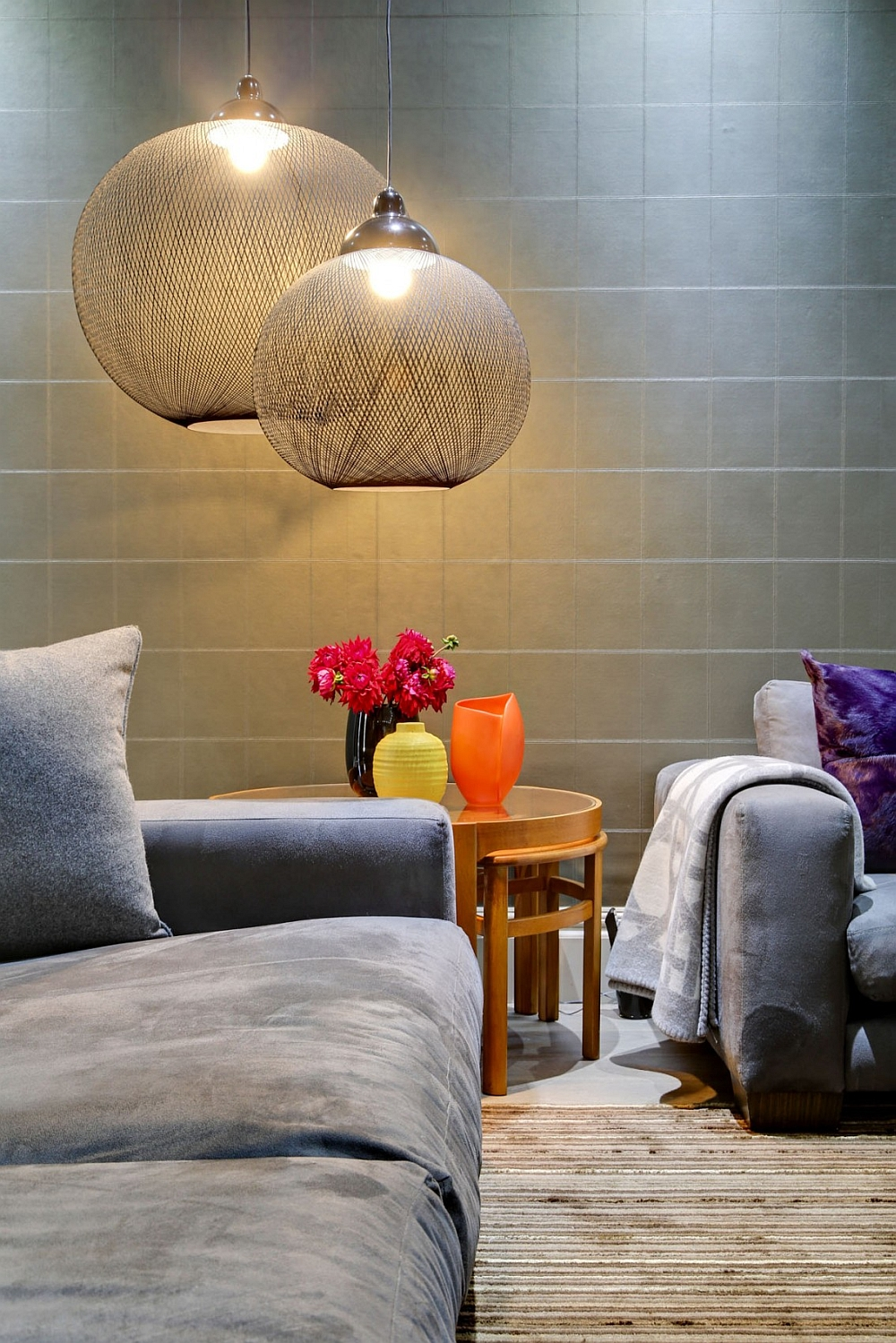 Beautiful Moooi pendants steal the show in the posh living space