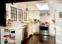 Beautiful-farmhouse-kitchen-with-a-skylight-217x155