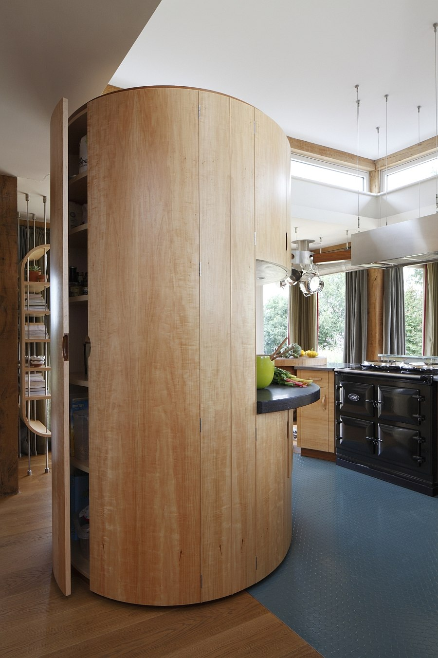 Beautiful pantry ensures that you do not rely on wall storage systems